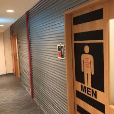 男女更衣室